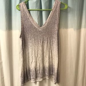 American Eagle Outfitters Tops - American eagle v neck tank